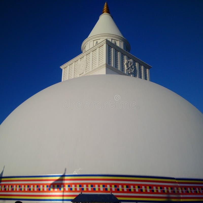 Enorm bild för pagod med blå himmel royaltyfria foton