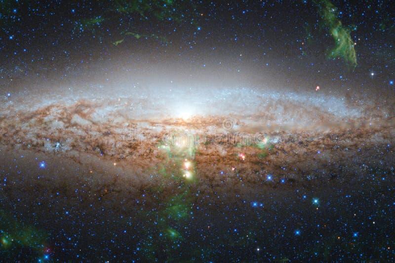 Enorm galax i yttre rymd Starfields av ändlöst kosmos royaltyfria foton
