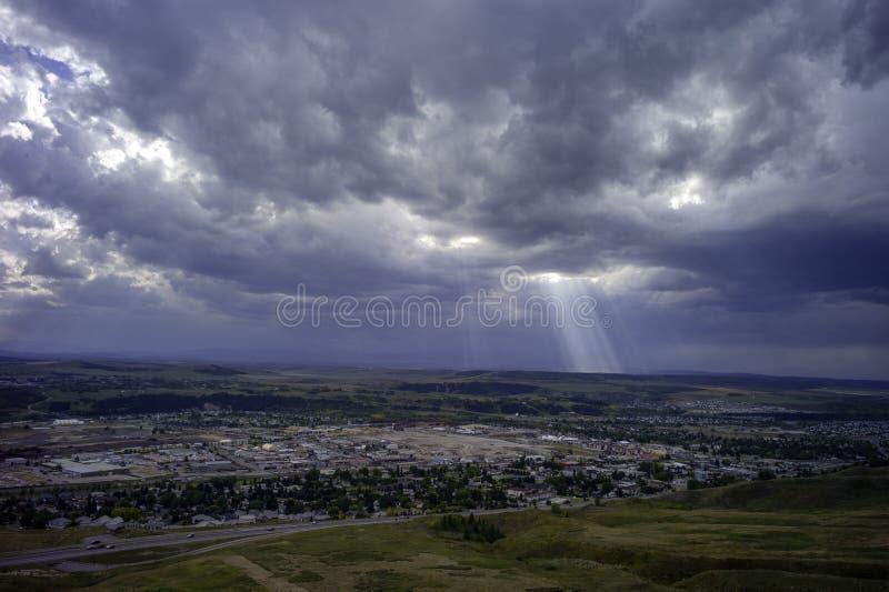 Enorm himmel över Cochrane Alberta Canada fotografering för bildbyråer