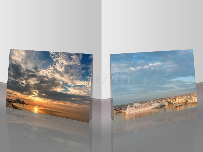 Enorm himmel och solnedgång över havet och konturerna av forntida bu arkivbild