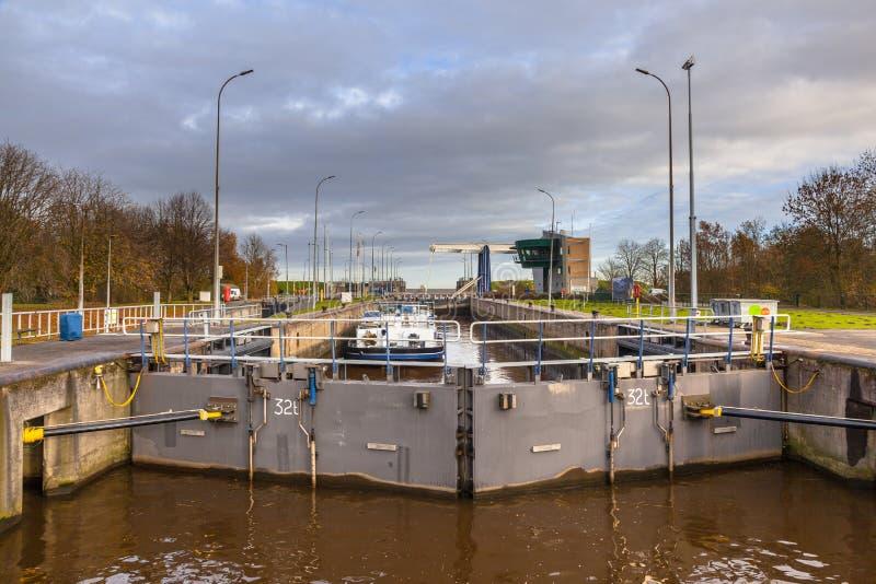 Enorm låskammare i Nederländerna royaltyfria bilder