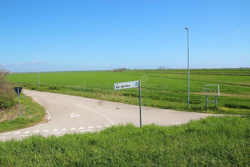 Enorm landschap in Deltadel Po, een natuurlijk paradijs van het gebied Italië stock foto