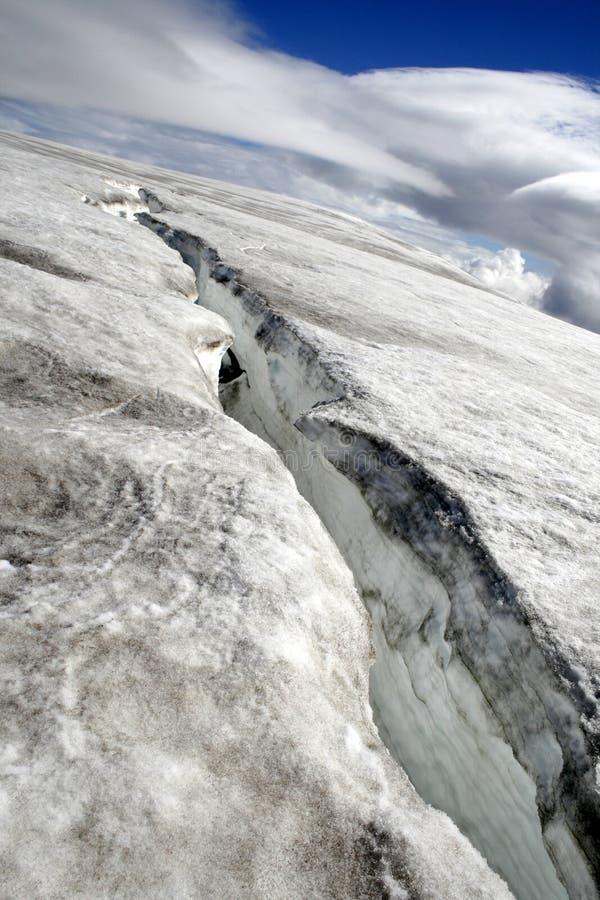 enorm sprickaglaciär arkivbilder