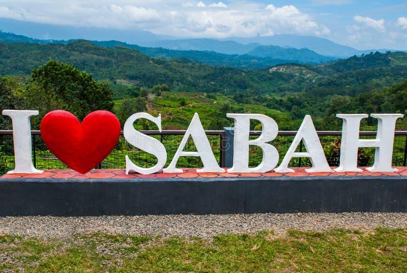 Enorm vit bokstäver älskar jag Sabah Borneo Malaysia arkivbilder