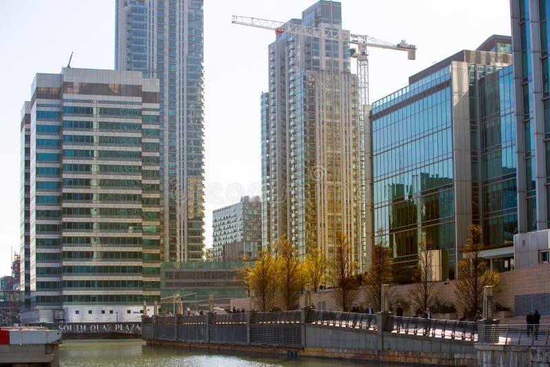 Enorme Baustellen in Canary Wharf-Bereich Geschäftsna-Bankenviertel, das weg Angebotunterkunft nahe bei heranwächst lizenzfreie stockfotografie