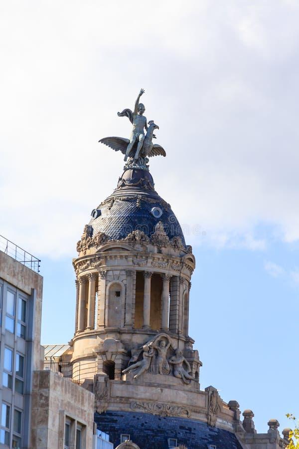Download Enorme Kuppel Auf Barcelona-Markstein Stockbild - Bild von gracia, reise: 106803921