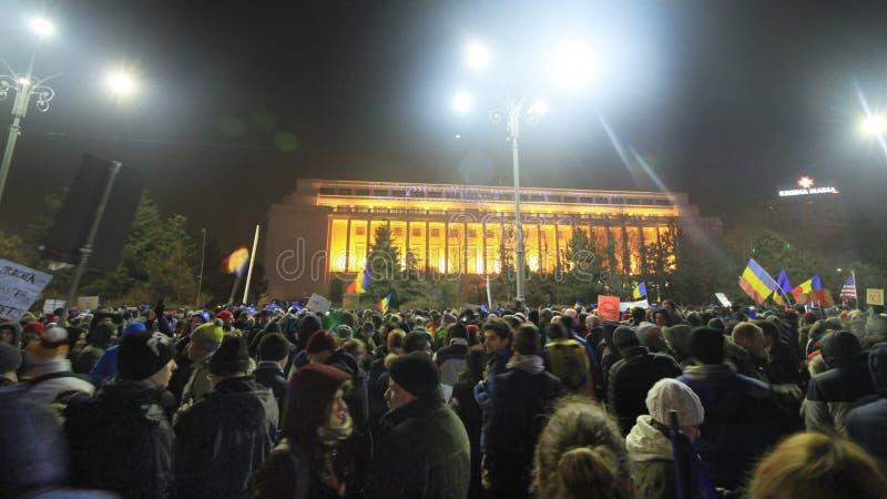 Enormer Protest in Bukarest - Piata Victoriei in 05 02 2017 stockbild