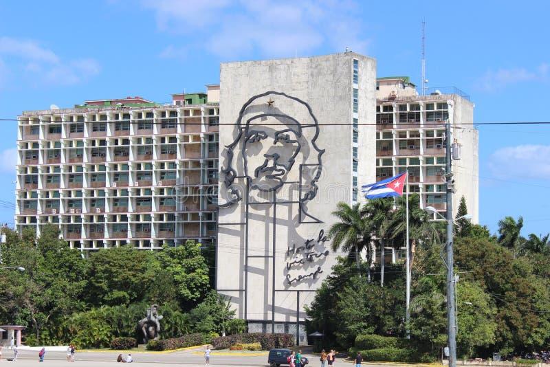 Enormes Bild von Che Guevara auf der Fassade eines Hotels in Havana, Kuba stockfoto