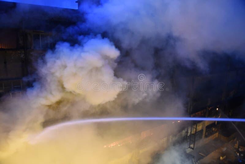 Enormes Feuer am Kolkata-Großhandel-Markt lizenzfreies stockbild