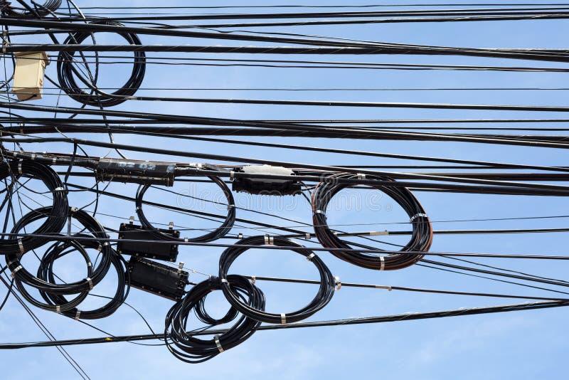 Enredo de cables y de alambres imágenes de archivo libres de regalías