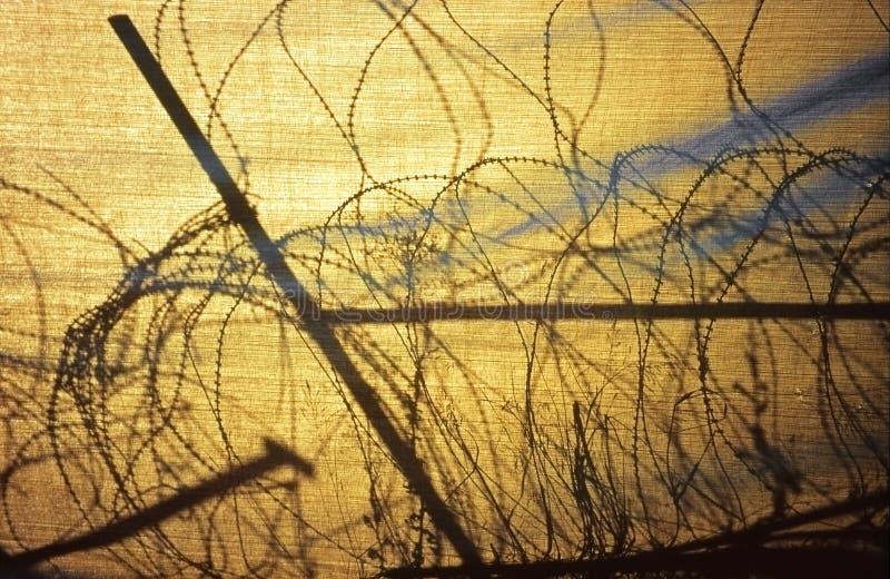 Enredo del alambre de púas en Nicosia, Chipre imágenes de archivo libres de regalías