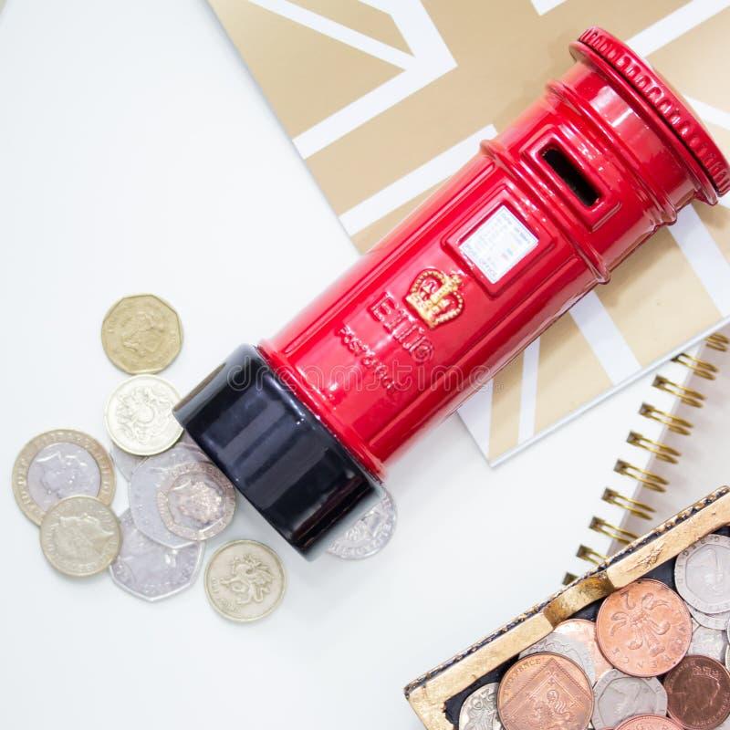 Enregistrer votre argent avec l'amusement photos stock
