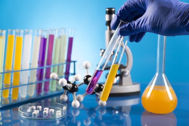 Ensaios clínicos no laboratório fotos de stock