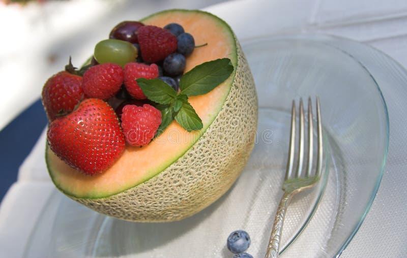 Ensalada de fruta del verano fotografía de archivo libre de regalías