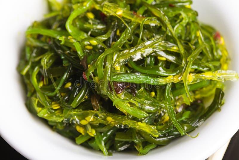 Ensalada de la alga marina fotos de archivo