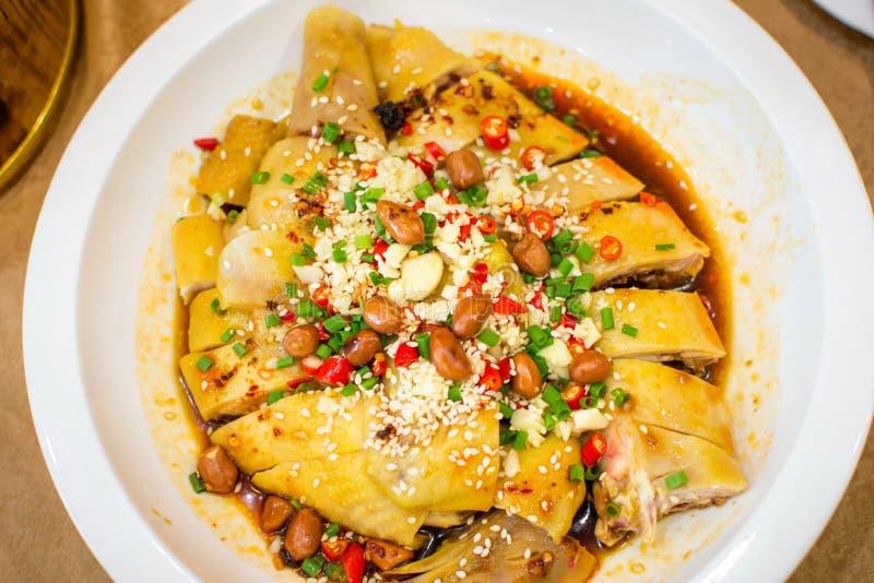Ensalada de pollo china con los diversos ingredientes foto de archivo