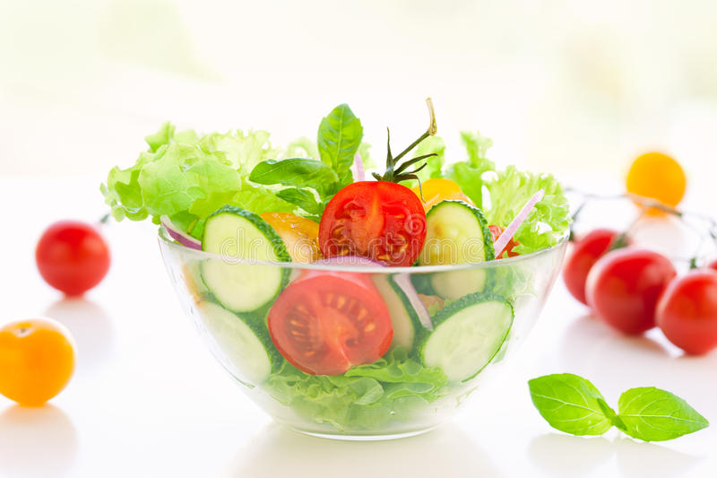 Ensalada del tomate y del pepino imagen de archivo