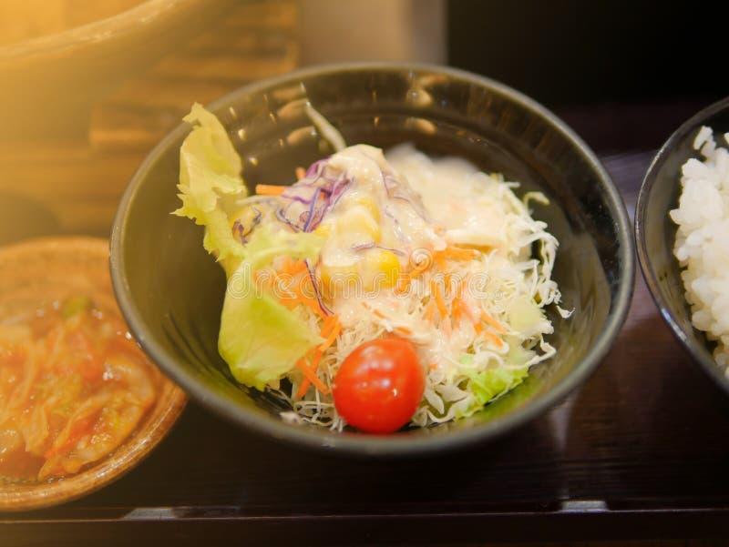 Ensalada en restaurante de la comida de Japón foto de archivo
