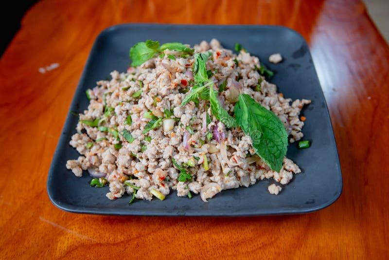 Ensalada picadita picante del cerdo, comida tailandesa imagen de archivo