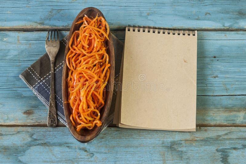 Ensalada picante de la zanahoria, estilo coreano asiático imagen de archivo libre de regalías