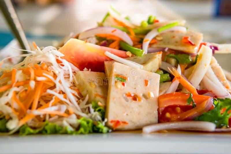 Ensalada tailandesa de la salchicha de cerdo foto de archivo