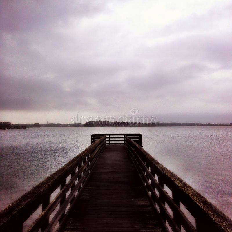 ensam dock royaltyfri fotografi