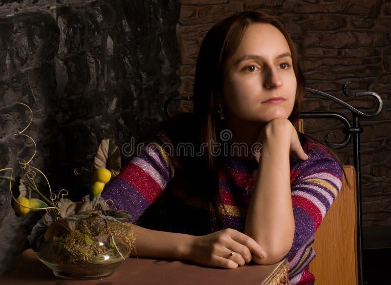 ensam flicka arkivfoton