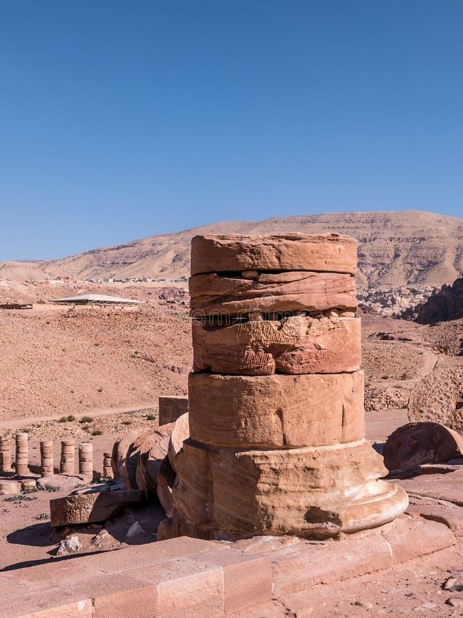 Ensam pelare på Petra fotografering för bildbyråer