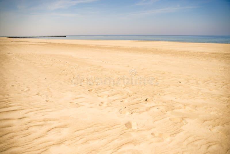 Ensam strand av Östersjön arkivfoton