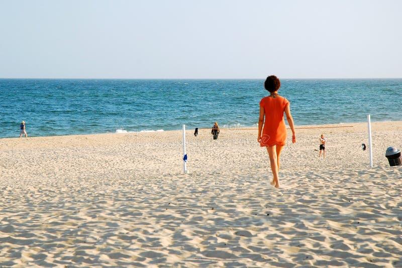 Ensamhet på stranden royaltyfria foton