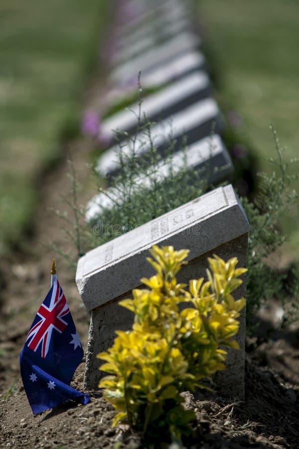 Ensamt sörja kyrkogården på Turkiet royaltyfri bild