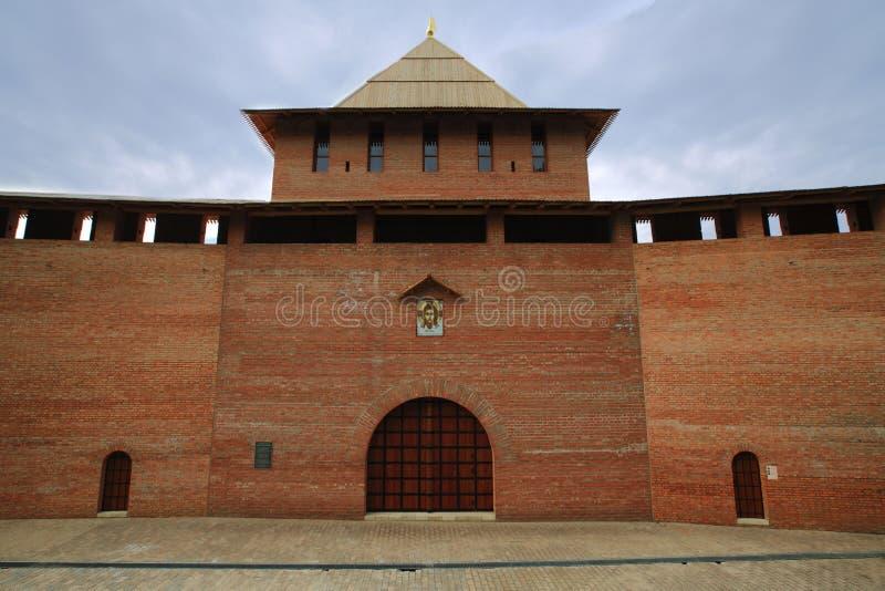 Ensamt torn av den Nizhny Novgorod Kreml royaltyfri foto