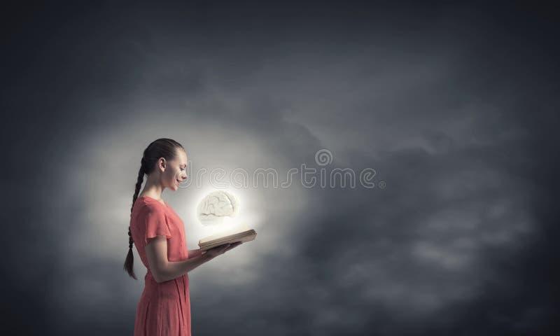 Ensanche su mente imagenes de archivo