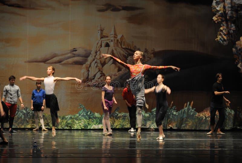 Ensayo-ballet imagenes de archivo