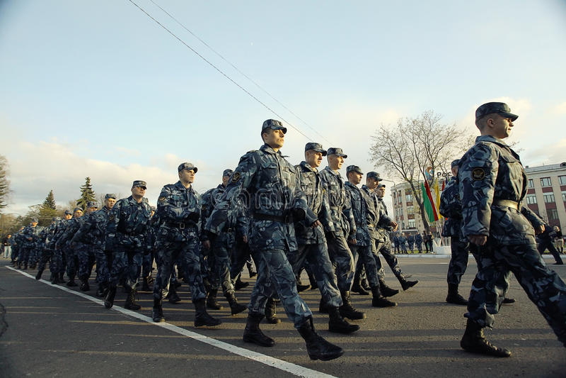Ensayo general del desfile militar en Vologda el 8 de mayo de 2014, en Vologda, Rusia imagenes de archivo