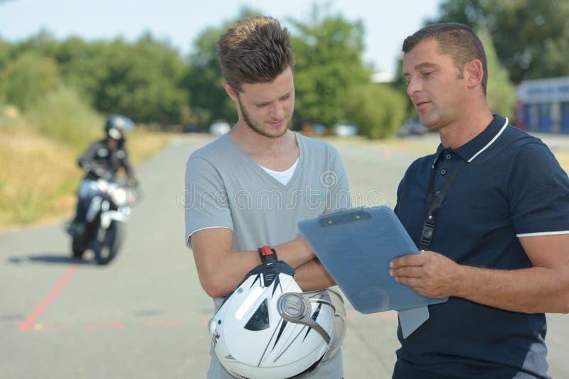 Enseñanza de motos fotos de archivo
