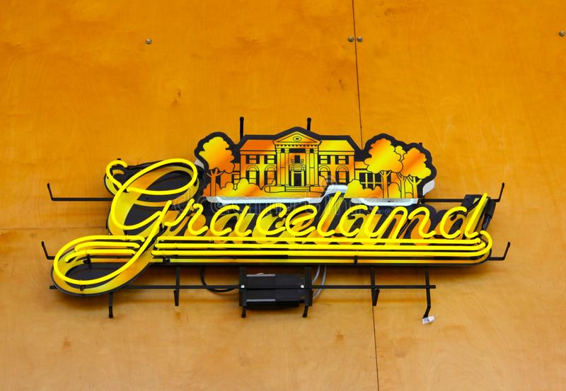 Enseigne au néon de Graceland chez Memphis Visitor Center, Memphis Tennessee image stock