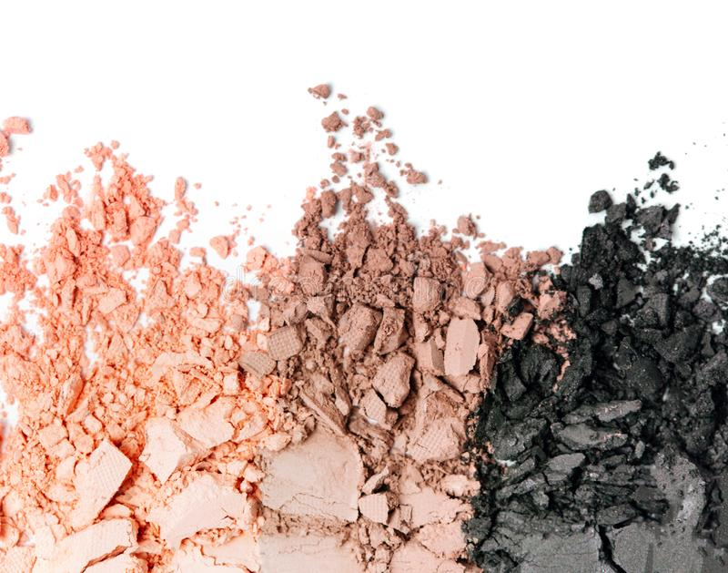 Ensemble coloré neutre cassé de fard à paupières d'isolement sur le blanc image stock