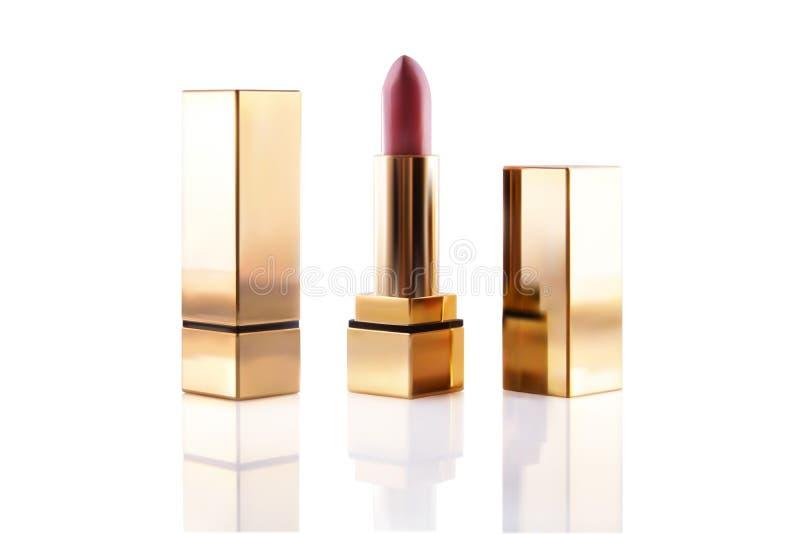 Ensemble cosmétique de maquette de maquillage de rouge à lèvres réaliste Tube d'or rouge-rose de pommade de couleur du vecteur 3d illustration libre de droits