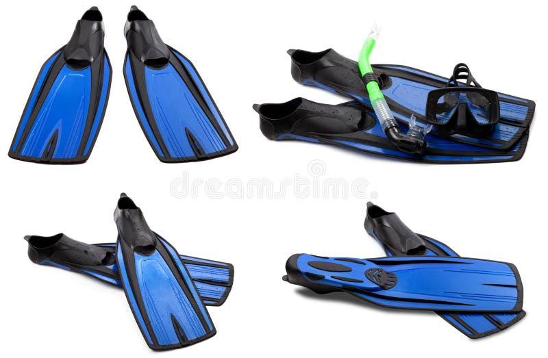 Ensemble d'ailerons de bain, de masque et de prise d'air bleus pour la plongée image stock