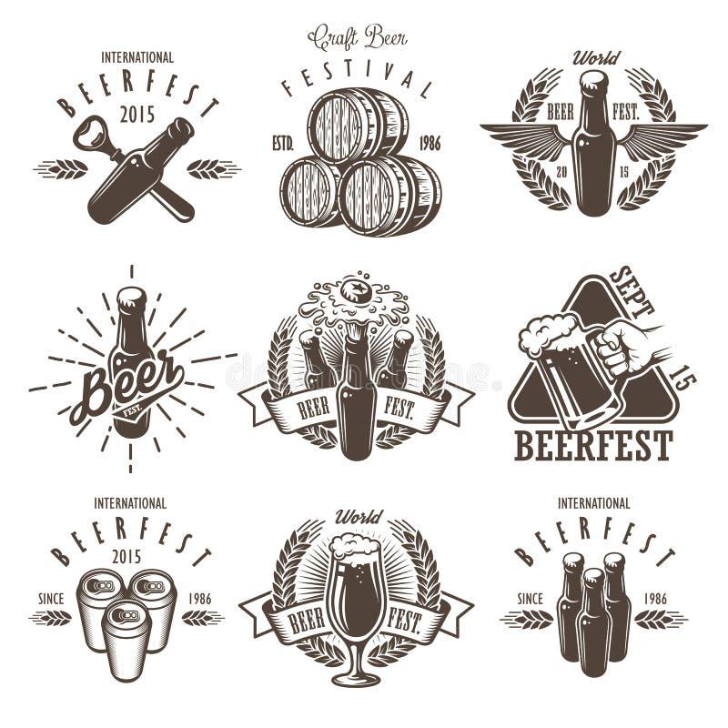 Ensemble d'emblèmes de festival de bière de vintage illustration de vecteur