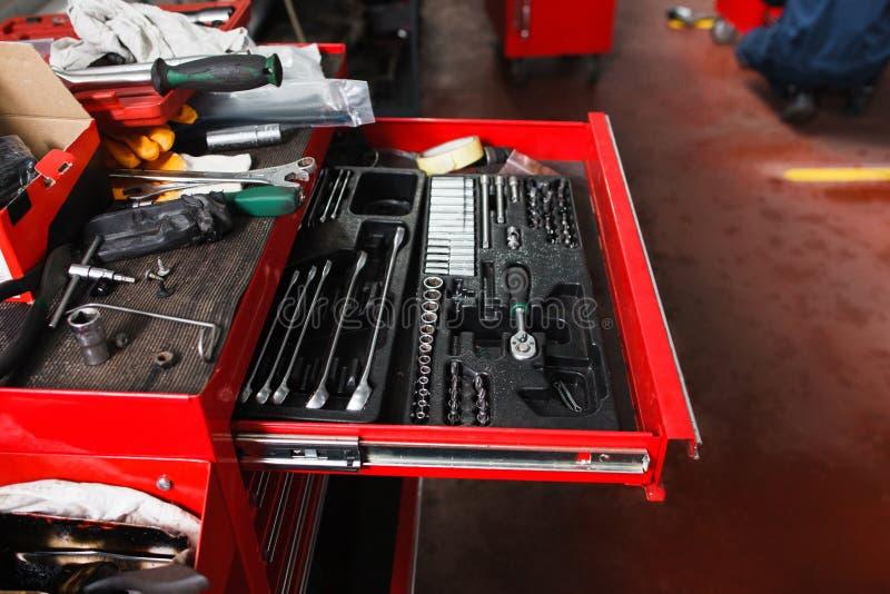 Ensemble d'outils mécaniques pour le garage photo libre de droits