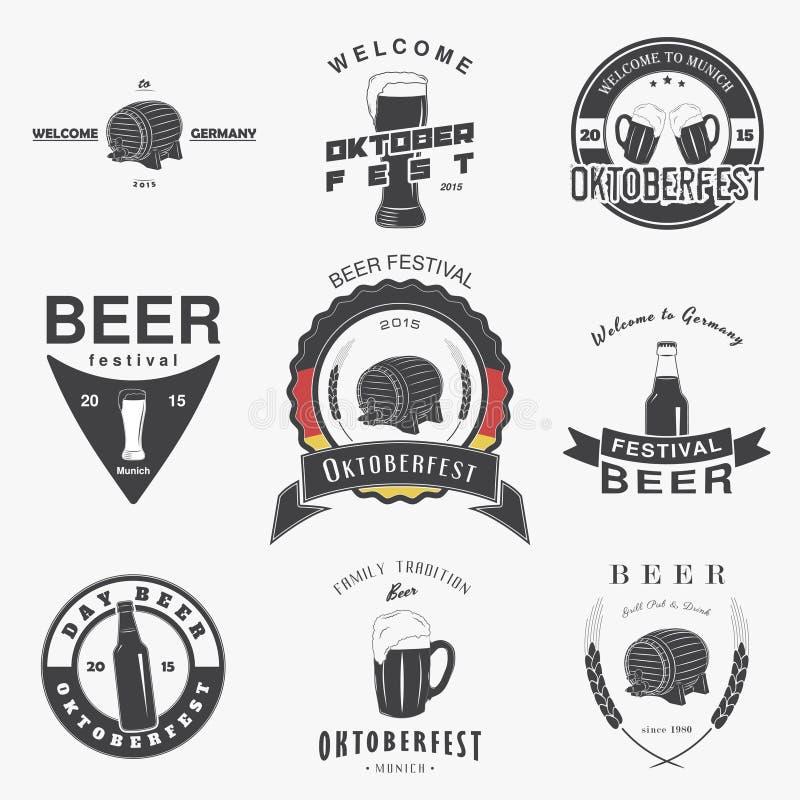 Ensemble de bar de bière Festival Oktoberfest de bière brassant les labels, les logos et les insignes typographiques illustration libre de droits