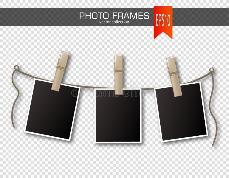 ensemble de cadres de photo avec la pince linge sur un. Black Bedroom Furniture Sets. Home Design Ideas
