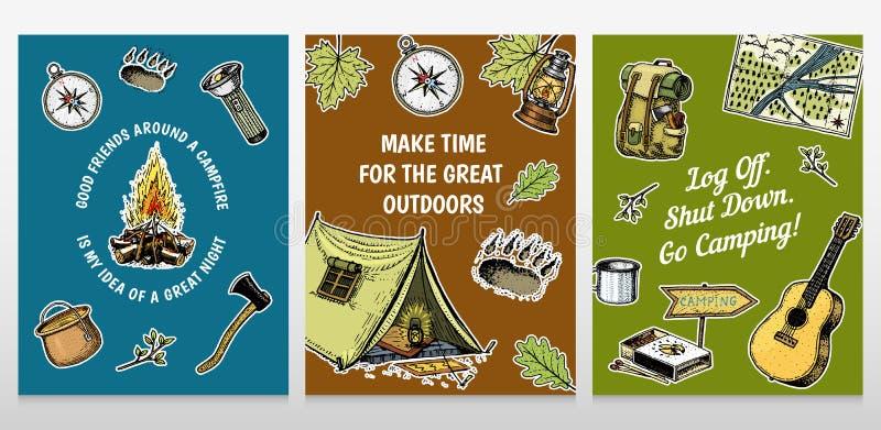 Ensemble de cartes de camping calibre d'affiche ou d'impression aventure et hausse extérieures Voyageant, voyage de tourisme main illustration de vecteur