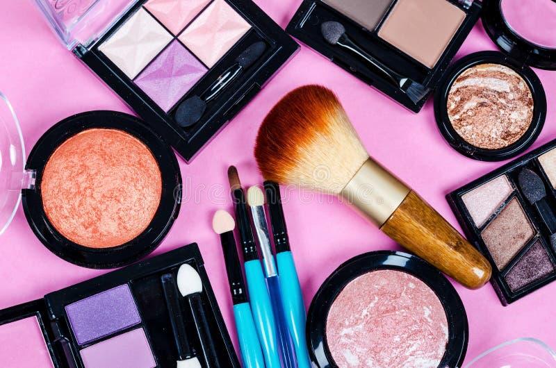 Ensemble de cosmétiques colorés images libres de droits