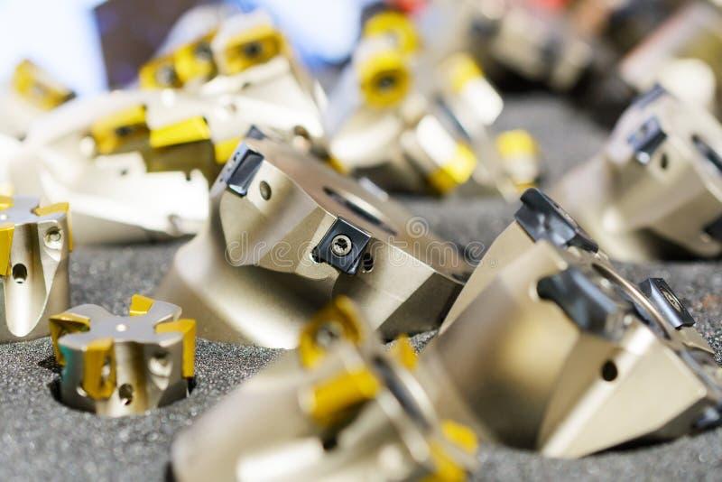 Ensemble de coupeurs de fraisage modernes pour le métal photographie stock