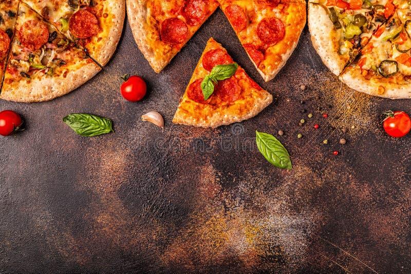 Ensemble de différentes pizzas photographie stock libre de droits