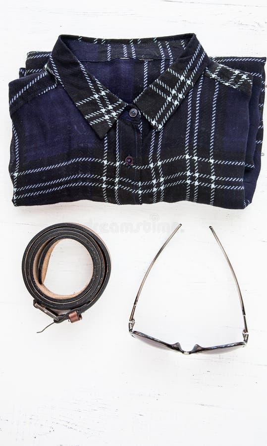 Ensemble de divers vêtements et accessoires pour des femmes photos stock