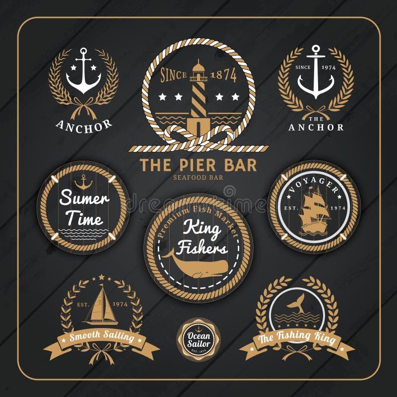 Ensemble de labels nautique de vintage sur le fond en bois foncé illustration stock